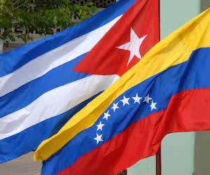 20150310121447-cuba-venezuela-banderas1.jpg
